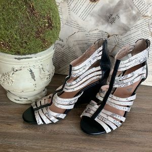 BCBGeneration Heel Sandal Wedges